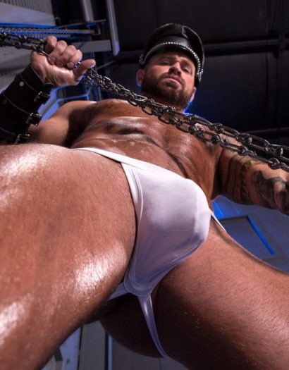 BDSM-loving jacked-up dudes take turns getting spit-roasted